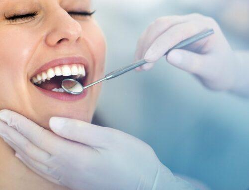 Füllungen, Kronen und Co: Vorsicht vor hohen Zahnarztkosten